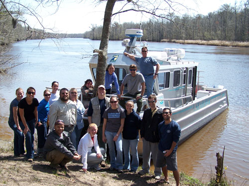 estuarine biology class in front of the r/v seahawk