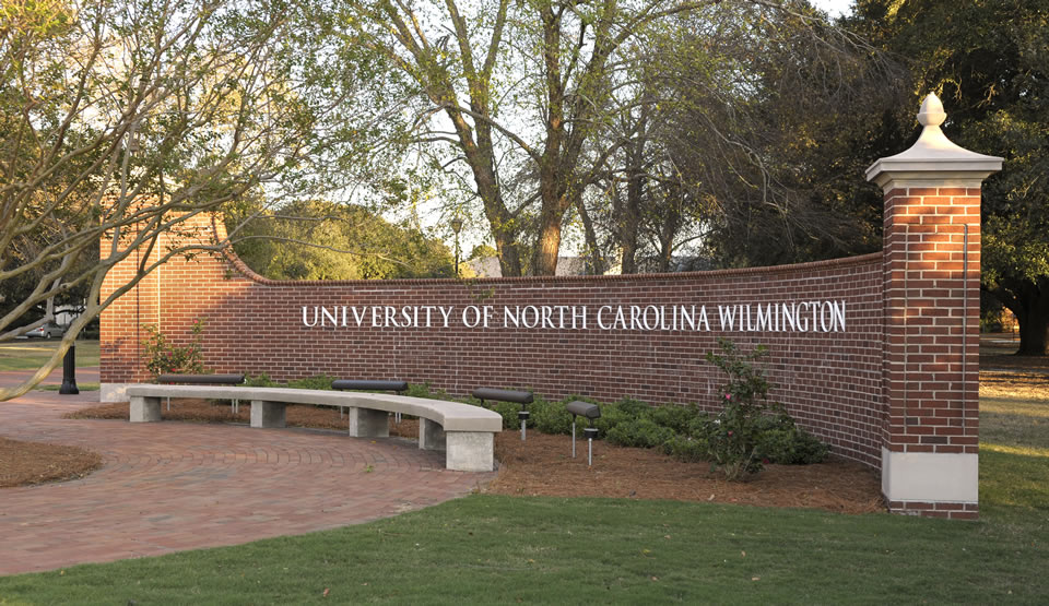 UNCW Front Entrance Financial Statement Cover 2010-2011