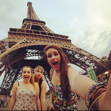 Students in front of Eiffel Tower