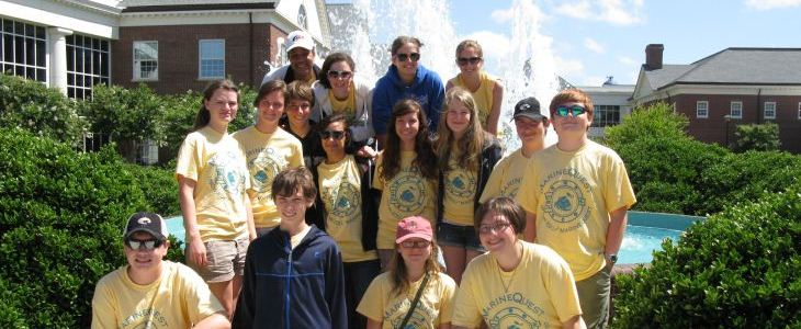 Marine Science Day Camps – UNC Wilmington MarineQuest teens in group photo